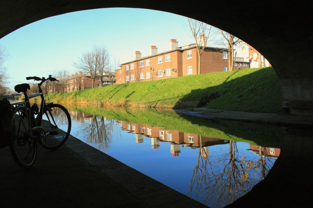 ride a bike in Dublin, Ireland